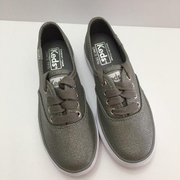 7335dc08e79 Keds Girls Triple Season Low Top Sneaker Silver